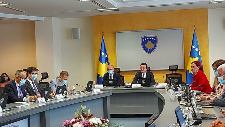 Kosova 'da aşı olmayanlara yeni kısıtlamalar getirildi