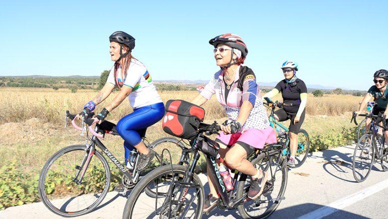 Kadınlardan bisikletli Trakya turu