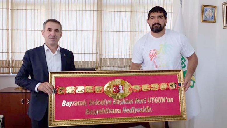Altın kemer Kırbiç'e geldi