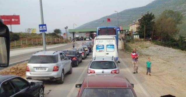 Kosova'nın Kovid-19 tedbirleri Arnavut yolcuları kızdırdı