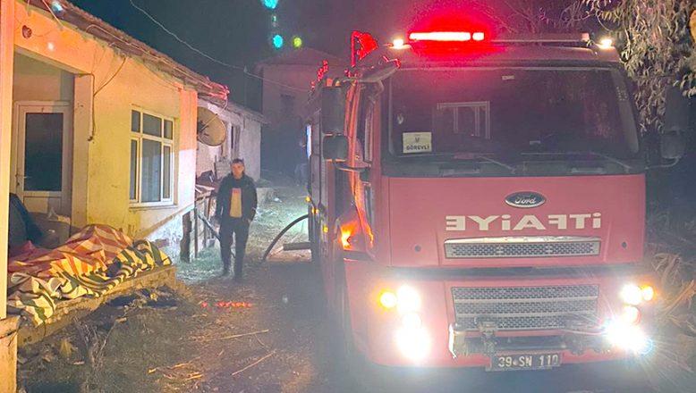 Salça için yakılan ateş iki evi yaktı