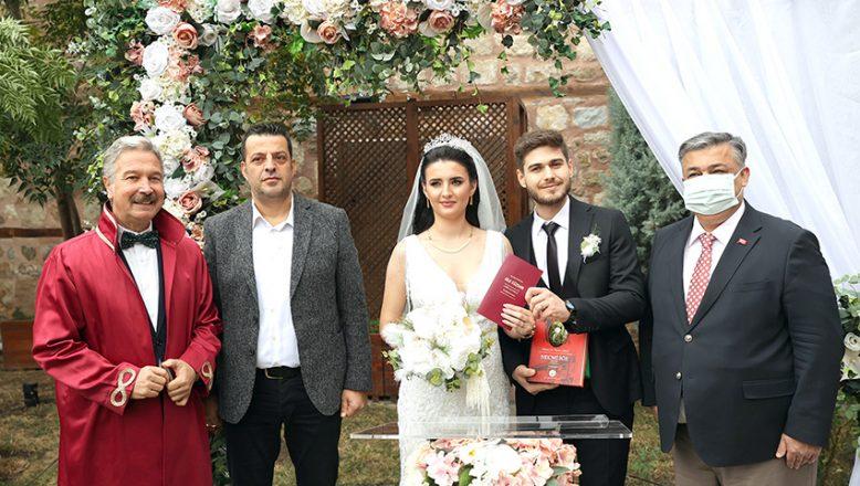 Müzede ilk nikah
