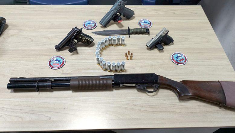 Ruhsatsız silahlara 3 gözaltı
