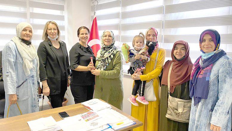 SP'li kadınlar Şehir Gönüllüleri Vakfını ziyaret etti